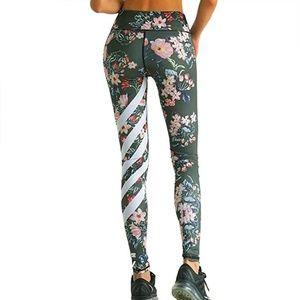 NEW Floral Striped Athletic Leggings Medium